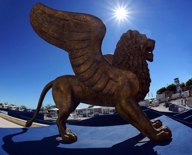 <!--:bg-->Венеция отново събра почитателите на киното<!--:--><!--:en-->Venice again drew together the cinema fans <!--:-->