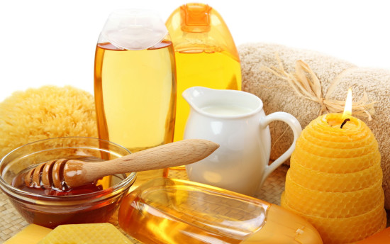 Remedios-caseros-de-cosmética-con-miel