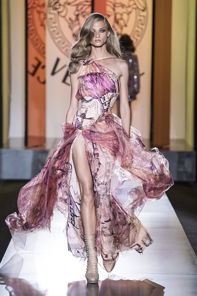 <!--:bg-->Versace Есен-Зима 2012/13 – познат почерк с нов прочит<!--:--><!--:en-->Versace Fall-Winter 2012/2013 – familiar book with new reading<!--:-->