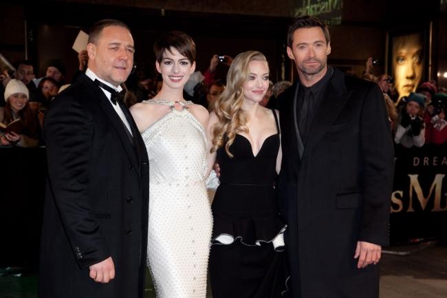 """<!--:bg-->Световната премиера на """"Клетниците"""" събра множество звезди в Лондон <!--:-->"""