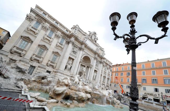 <!--:bg-->Fendi възстановява една от легендите на Рим<!--:-->