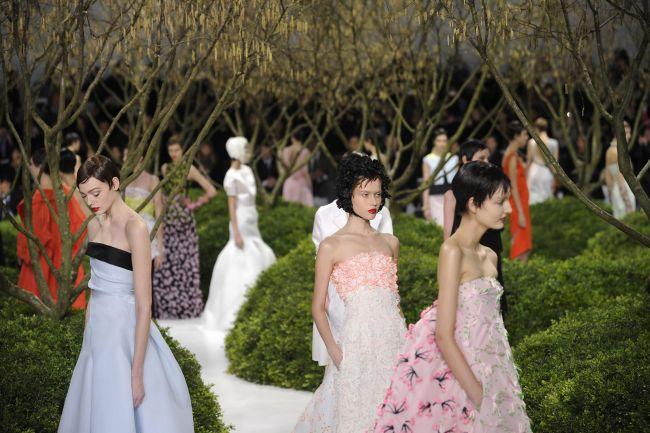 <!--:bg-->J'adore Dior, J'adore Raf<!--:--><!--:en-->J'adore Dior, J'adore Raf<!--:-->