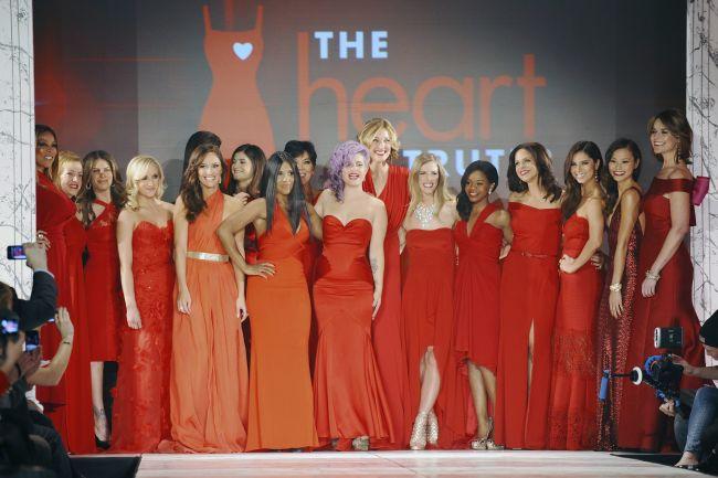 <!--:bg-->&#8222;Истината за сърцето&#8220; – съчетание от червени рокли и една кауза<!--:-->