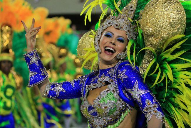 <!--:bg-->Карнавалът в Рио започна<!--:-->
