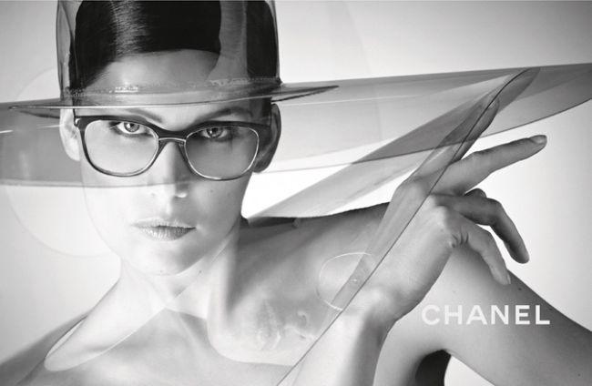 <!--:bg-->Летисия Каста в реклама на CHANEL<!--:-->