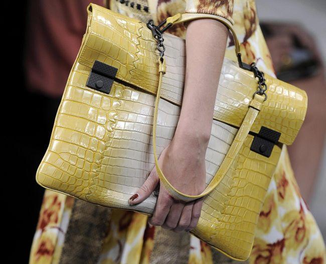<!--:bg-->Must Have: Голяма чанта за градски условия<!--:--><!--:en-->Must Have: A big handbag for city life<!--:-->