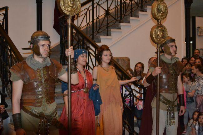 <!--:bg-->Нощта на музеите – мода в историята<!--:-->