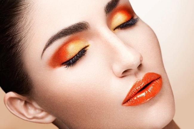 Оранжев и гримът…