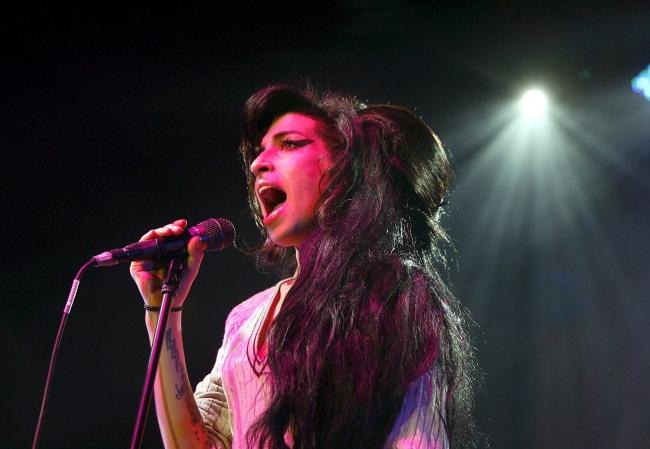 <!--:bg-->Amy Winehouse: A Family Portrait<!--:-->