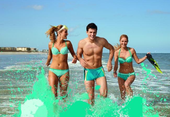 <!--:bg-->Изрязаните бански са най-голямата модна грешка за почивката<!--:-->