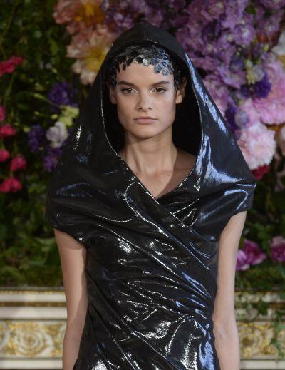 <!--:bg-->Алексис Мабий с поредна доза Haute Couture<!--:-->
