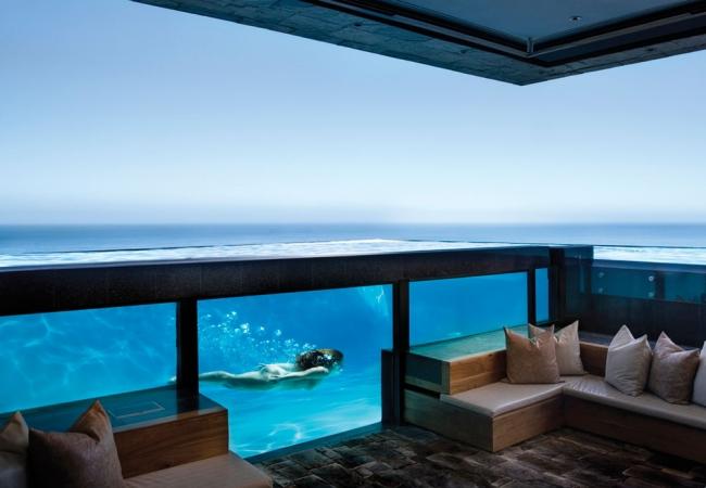 Стъклени басейни