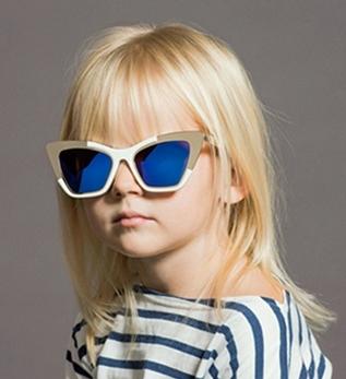 <!--:bg-->Karen Walker и светът през очите на децата<!--:-->