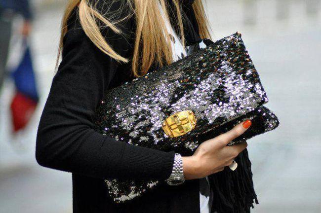 <!--:bg-->Лятна мода в есенния гардероб: клъч от пайети<!--:-->