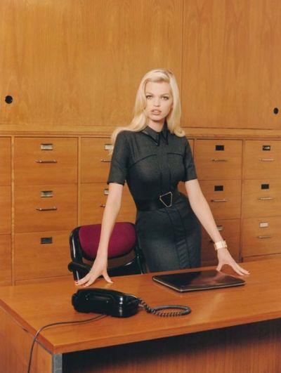"""<!--:bg-->Фотосесия на седмицата: Професия """"Секретарка""""<!--:-->"""