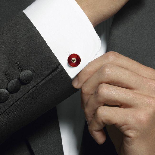 Linked In – ръкави, свързани с модата