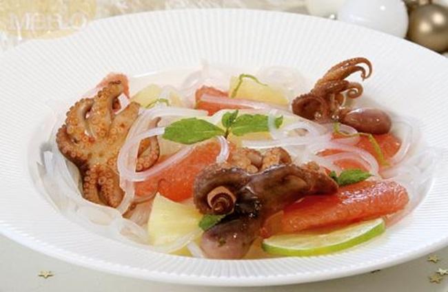 Как да си приготвим: Салата от грейпфрут и печени октоподчета
