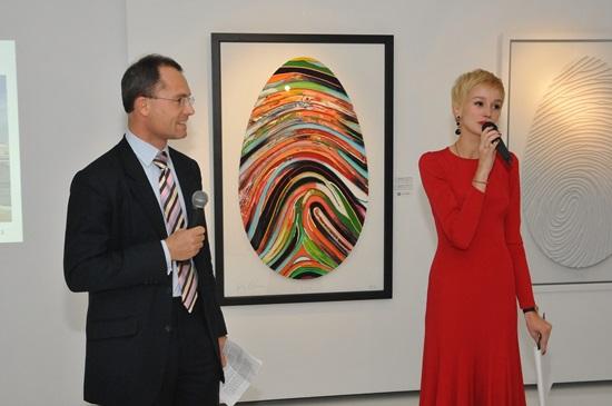 """<!--:bg-->""""Това не е портрет на човек, а портрет на изкривен от нашите желания образ."""" Скулпторът на Кейт Мос със самостоятелна изложба в столицата<!--:-->"""