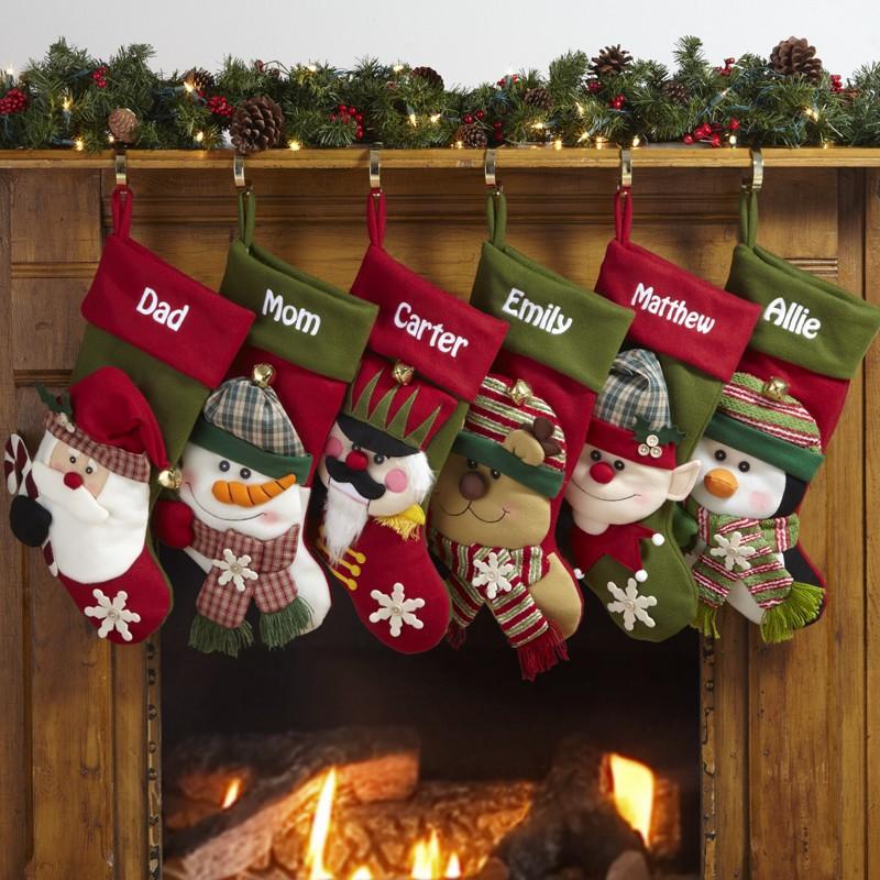 Подаръци ще има в чорапки над камина