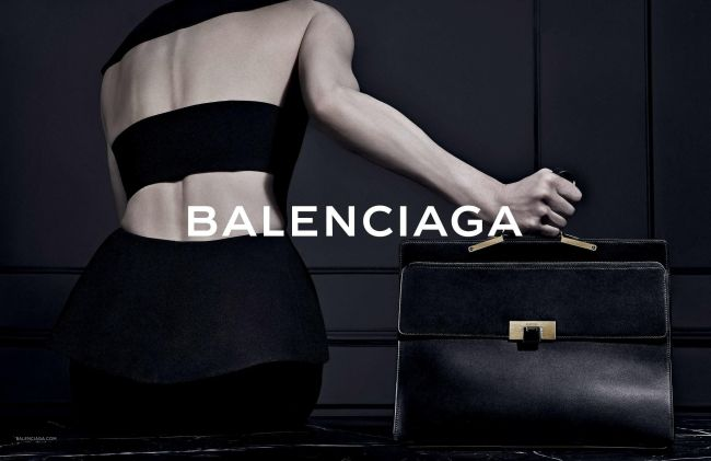 Inside Trend: Голият гръб на Balenciaga