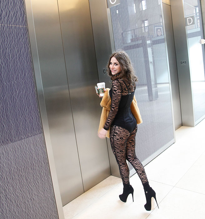 <!--:bg-->Жената, която се преоблече като Бионсе, и отиде така на работа – един безумен експеримент от Ню Йорк<!--:-->