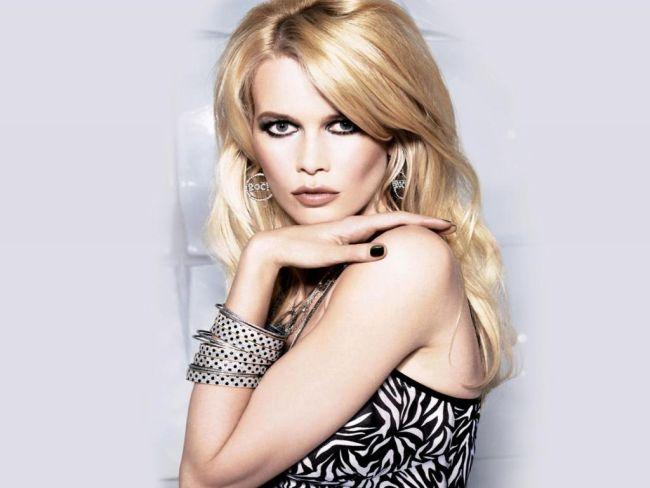 <!--:bg-->Клаудия Шифър със собствена линия продукти за коса Essence Ultime за Schwarzkopf<!--:-->