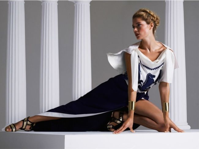 <!--:bg-->Дутцен Крус поставя първия ни любим тренд на пролетта в сюжети по гръцката митология<!--:-->
