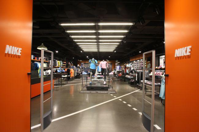 <!--:bg-->FF Group България откри първия Nike New Concept Store в България, част от световната верига концептуални магазини на марката<!--:-->