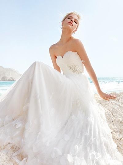 Сватбена приказка на плажа