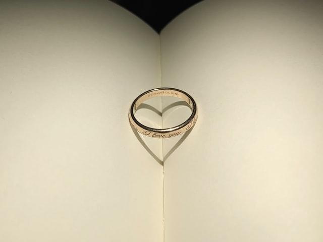 """""""Да си поживеем"""" е приказка, в която щастливият край идва след 1001 нощи… Евентуално"""