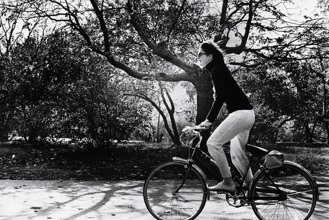 Стилът на Джаки Кенеди и вечните символи на модата
