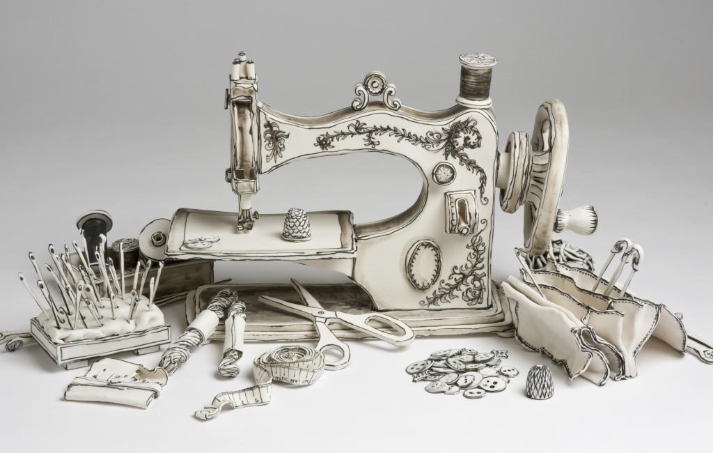 """Сюрреалистичните """"рисунки"""" от керамика и порцелан"""