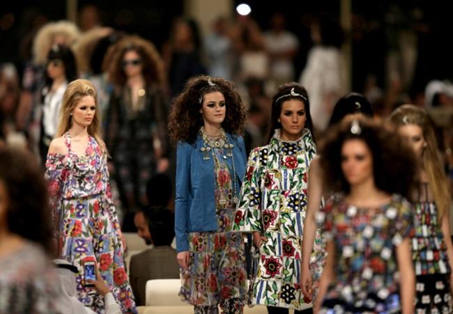 <!--:bg-->В приказка от 1001 нощи се превърна ревюто на Chanel в Дубай<!--:-->
