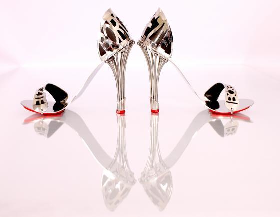 <!--:bg-->Обувки, които могат да се носят 1000 години<!--:-->