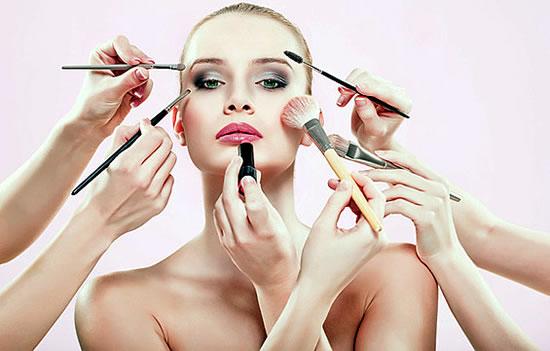 Когато времето не е на ваша страна: най-бързите козметични трикове