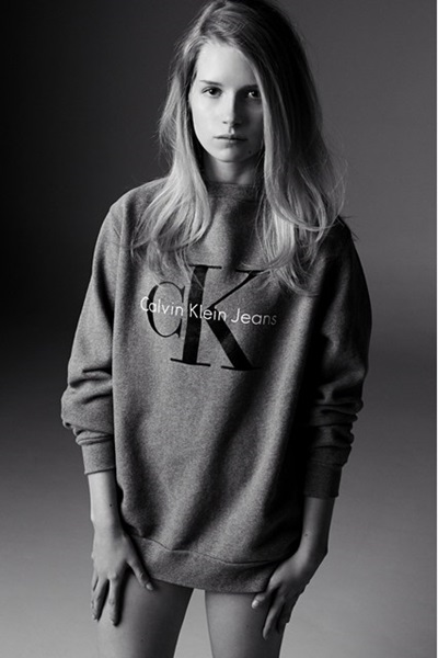 <!--:bg-->Още една Мос се снима за Calvin Klein<!--:-->