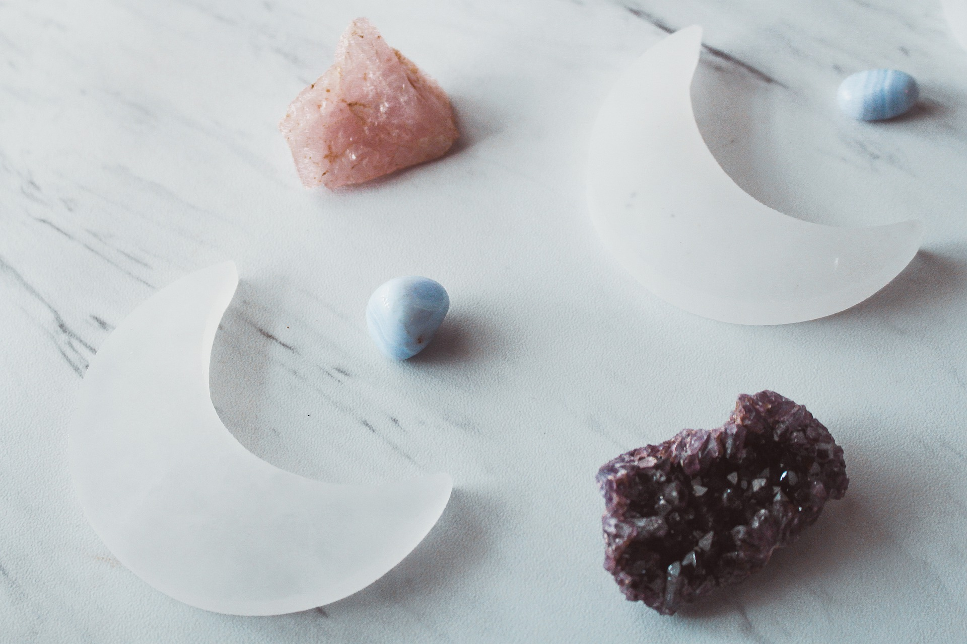 За зодиите, скъпоценните камъни и връзката между тях (II част)