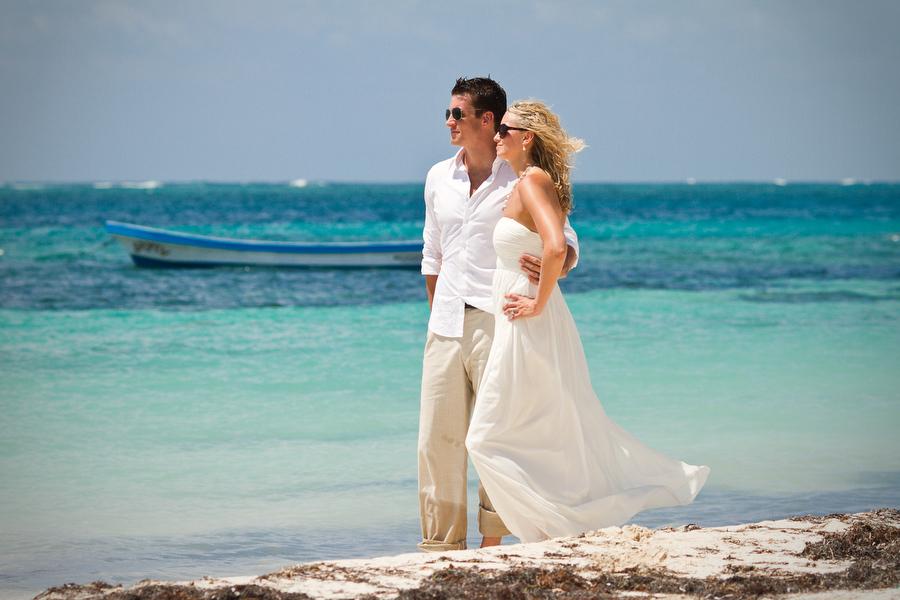 Сватба на плажа: алтернативната рокля