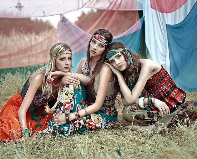 Хипи стилът като част от модното наследство на миналия век. Носим го и днес