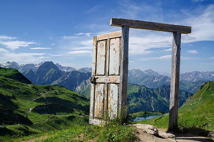 15 врати, които водят към други светове
