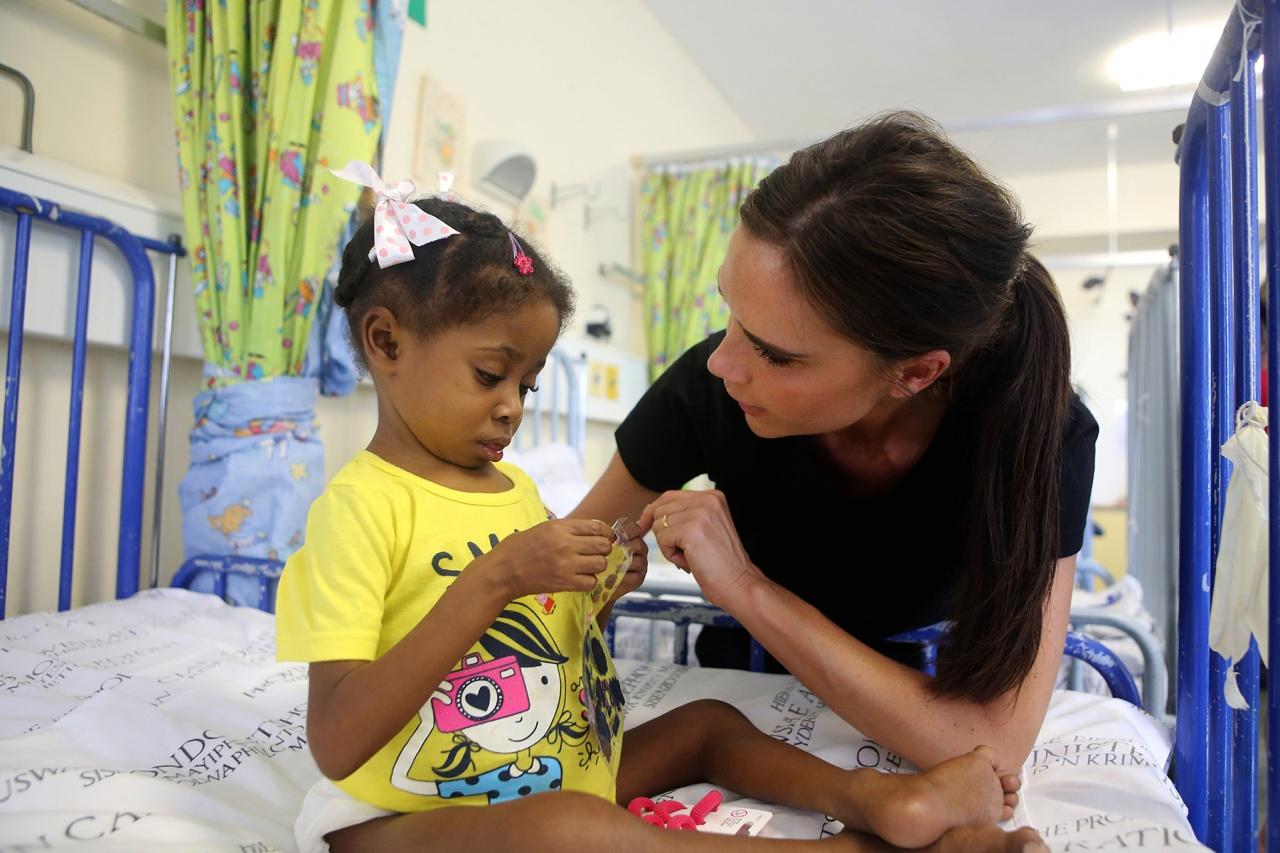 <!--:bg-->Виктория Бекъм в една благотворителна инициатива<!--:-->