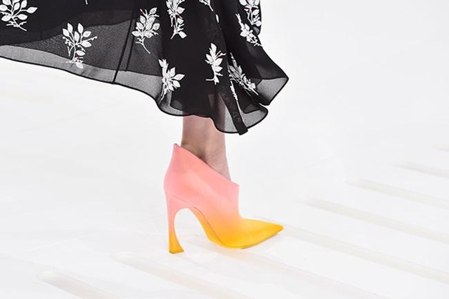 Бонбонени цветове и висша мода от Christian Dior