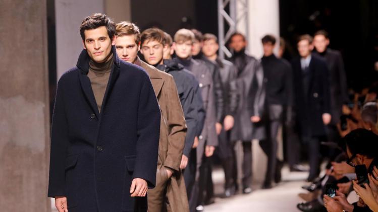 Мъжът на Hermès – тъмна есен и висококачествени материи