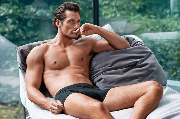 <!--:bg-->Дейвид Ганди в леглото на Marks & Spencer<!--:-->