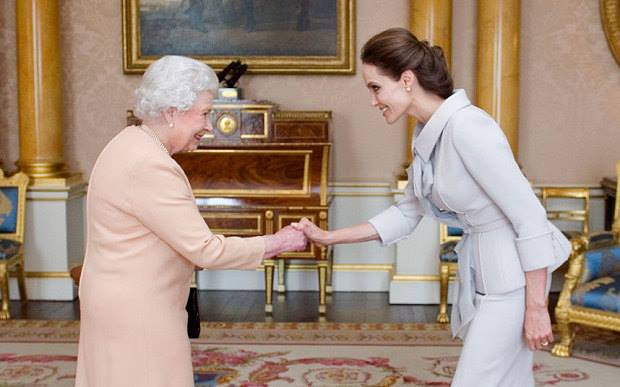 Анджелина Джоли вече е почетна дама на кралица Елизабет