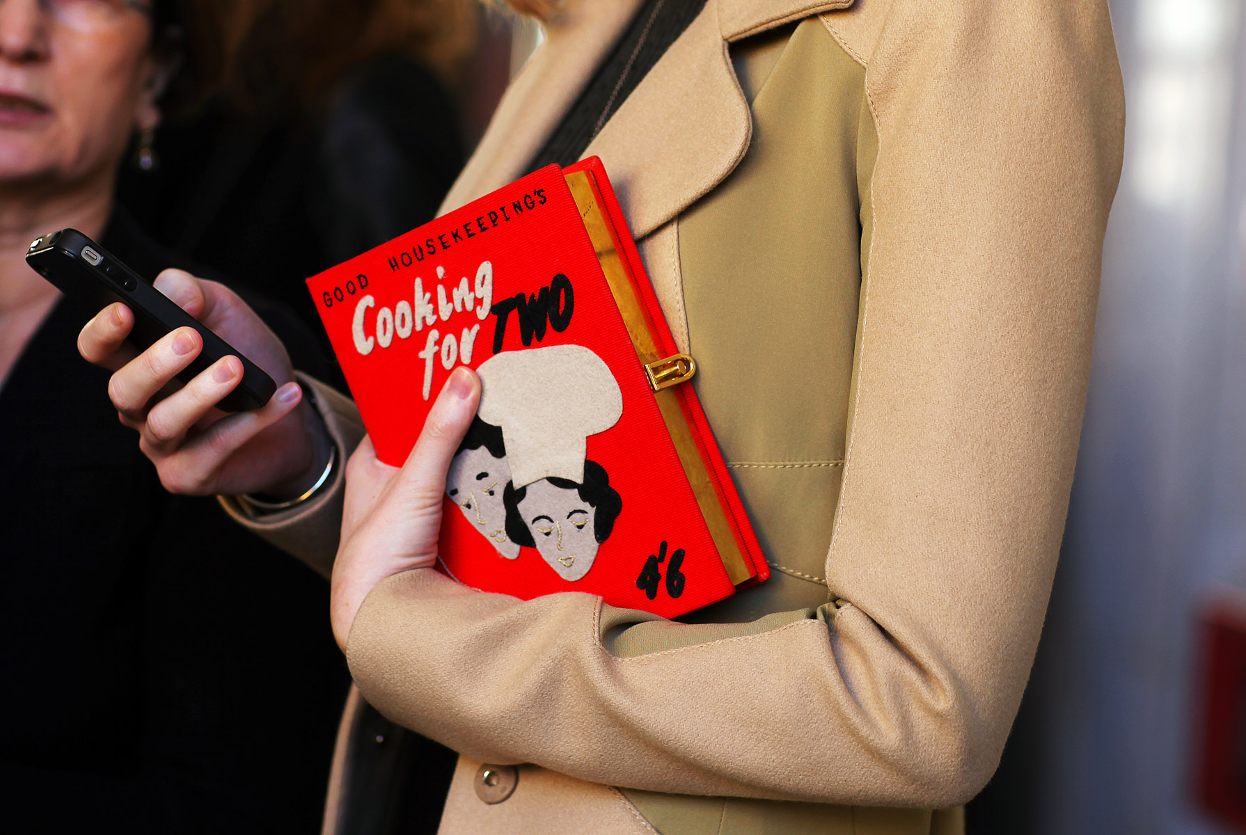 <!--:bg-->Olympia Le-Tan: за книгите, бродериите и дамските чанти<!--:-->