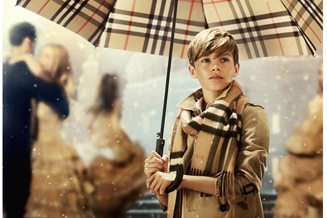 <!--:bg-->Рекламата, за която всички говорят: From London with Love<!--:-->