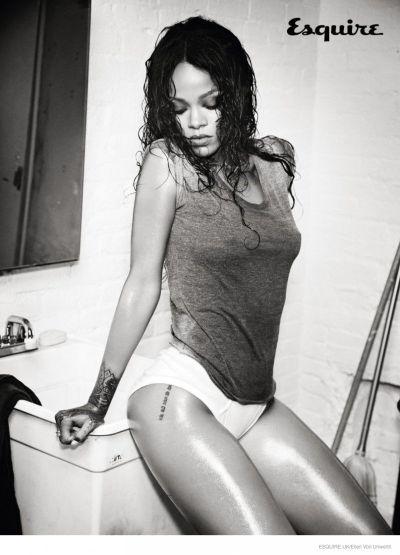 <!--:bg-->Риана за Esquire UK. Още по-гола от преди<!--:-->