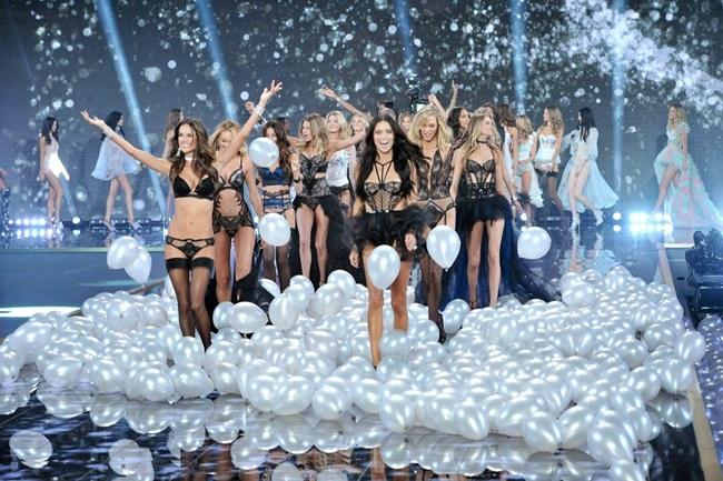 <!--:bg-->Victoria's Secret Fashion Show 2014: Земният рай се намира в Лондон<!--:-->