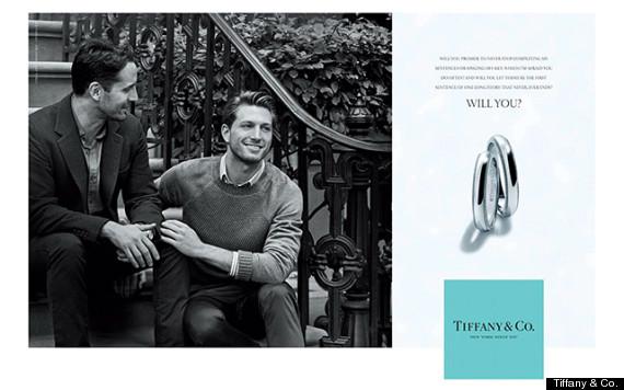 <!--:bg-->Хомосексуална двойка рекламира годежни пръстени на Tiffany & Co.<!--:-->